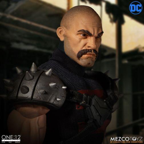 Mezco Toyz - Batman - KGBeast - 13