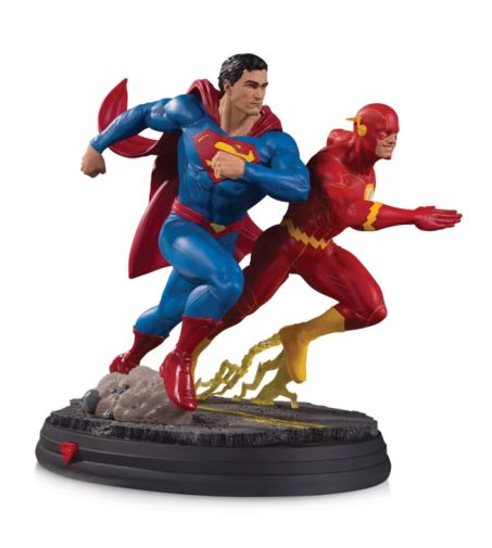 DC Collectibles - September 2020 - DC Gallery - Superman vs The Flash Racing - 01