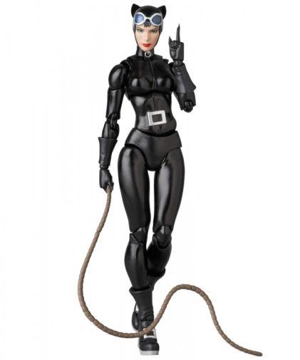 Medicom - MAFEX - Catwoman - 01