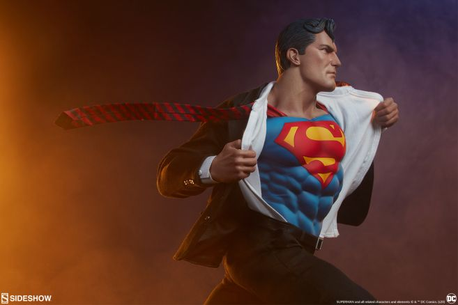 Sideshow - Superman - Call to Action Premium Format Figure - 08