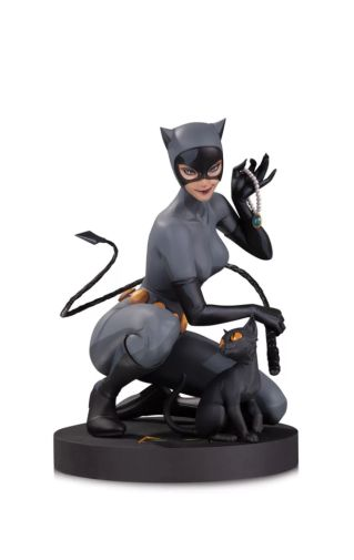 DC Collectibles - October 2020 - DC Designer Series - Catwoman by Stanley Artgerm Lau - 01