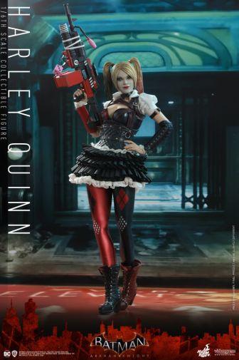 Hot Toys - Arkham Knight - Harley Quinn - 01