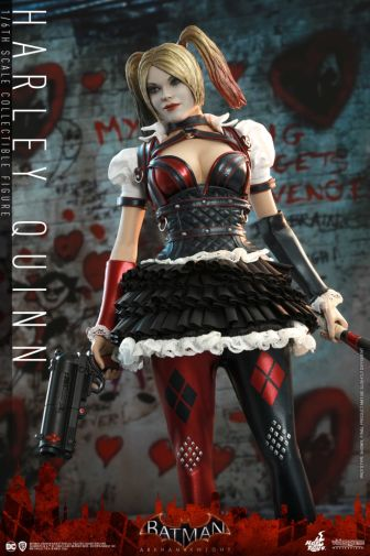 Hot Toys - Arkham Knight - Harley Quinn - 11