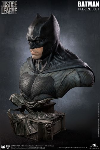 Queen Studios - Justice League - Batman - Life-Size Bust - 16