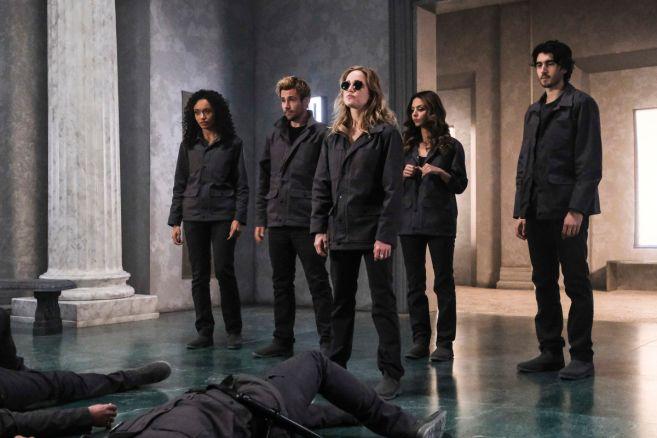 Legends of Tomorrow - Season 5 - Ep 15 - 01