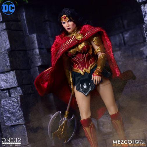 Mezco Toyz - Wonder Woman - 02