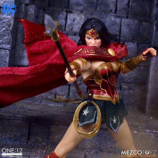 Mezco Toyz - Wonder Woman - 03