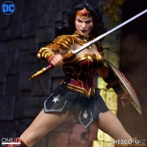 Mezco Toyz - Wonder Woman - 04