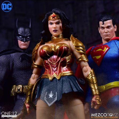 Mezco Toyz - Wonder Woman - 06