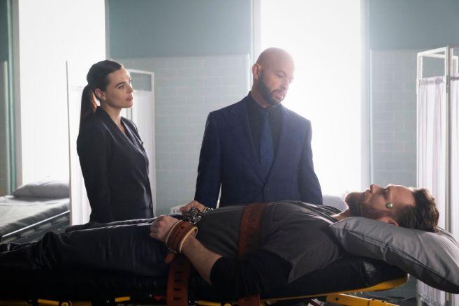 Supergirl - Season 5 - Ep 18 - 01