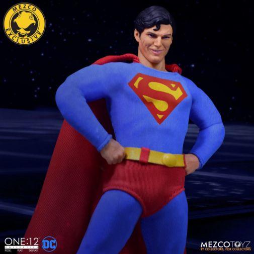 Mezco Toyz - Superman - Christopher Reeve - 07