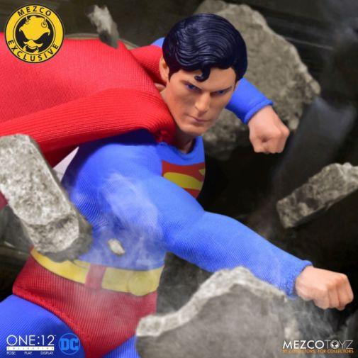Mezco Toyz - Superman - Christopher Reeve - 09