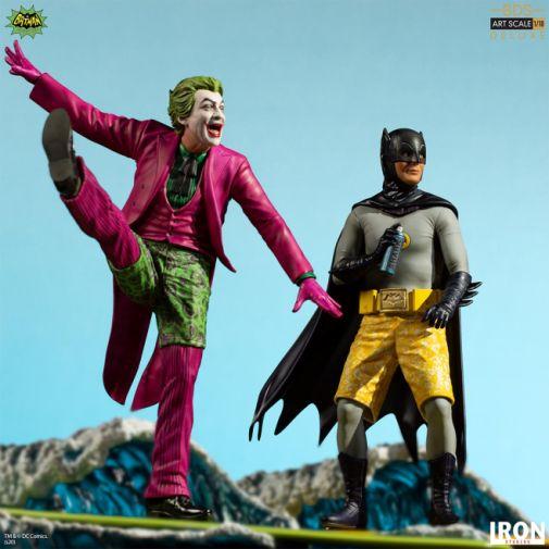Iron Studios - Batman 1966 - Surfs Up - Batman - 05