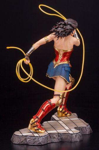 Kotobukiya - Wonder Woman 1984 - ARTFX - 09