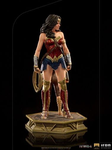 Iron Studios - DC Comics - Wonder Woman 1984 - Evolution of Wonder Woman - 07