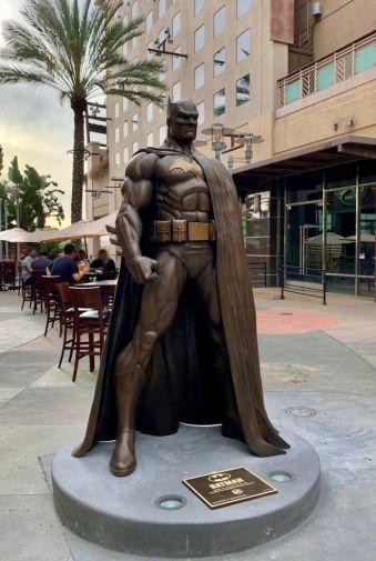 Batman Statue - Burbank - 01