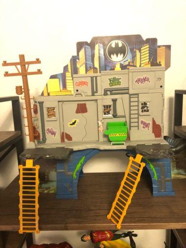 3-in-1 Batcave 2