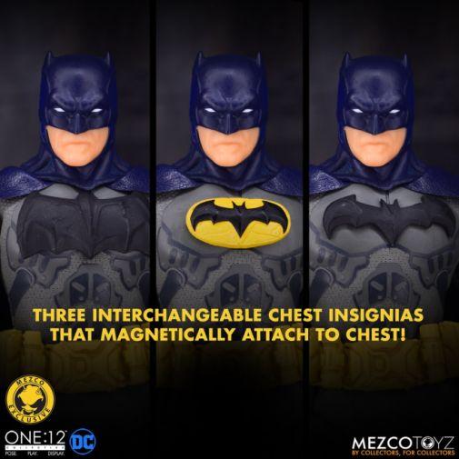 Mezco Toyz - Batman Supreme Knight - Darkest Dawn Edition - 17