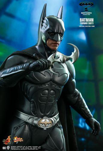 Hot Toys - Batman Forever - Sonar Suit Batman - 06