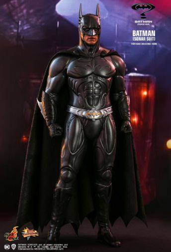 Hot Toys - Batman Forever - Sonar Suit Batman - 12