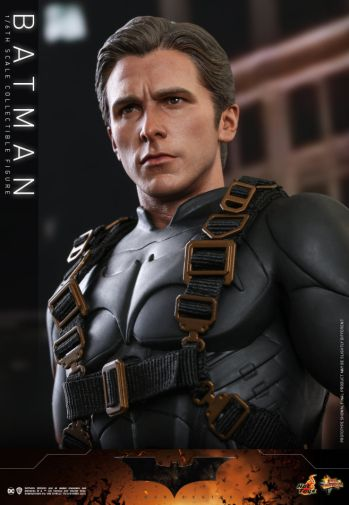 Hot Toys - Batman Begins - Batman and Batmobile - 03