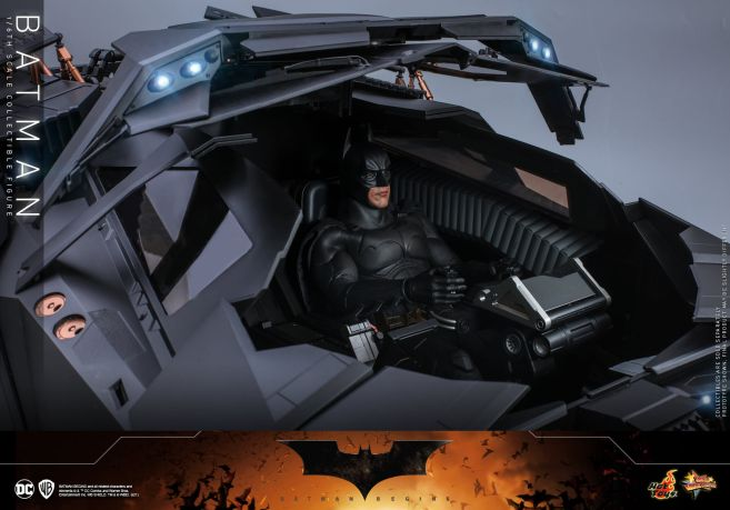 Hot Toys - Batman Begins - Batman and Batmobile - 23