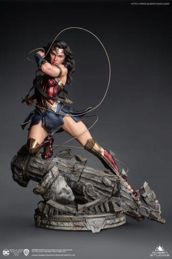 Queen Studios - Wonder Woman - 09