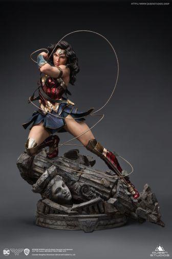 Queen Studios - Wonder Woman - 15