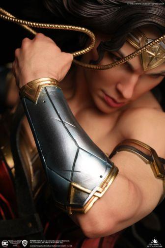 Queen Studios - Wonder Woman - 25