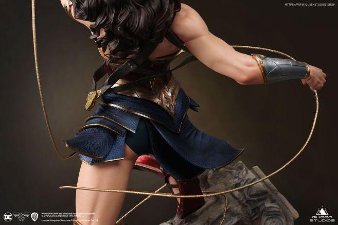 Queen Studios - Wonder Woman - 32