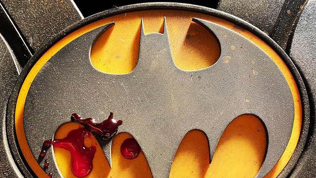The Flash - Andy Muschietti - Bat Symbol - Instagram - 06-04-21 - Featured - 01