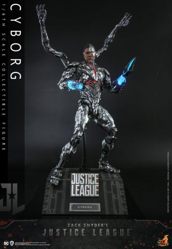 Hot Toys - Zack Snyders Justice League - Cyborg - 02