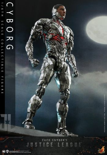 Hot Toys - Zack Snyders Justice League - Cyborg - 09