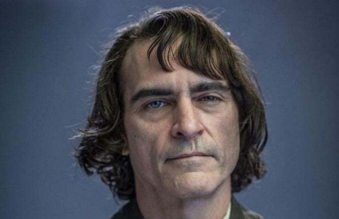 "JOKER: 1st Pic of Joaquin Phoenix as ""Arthur"""