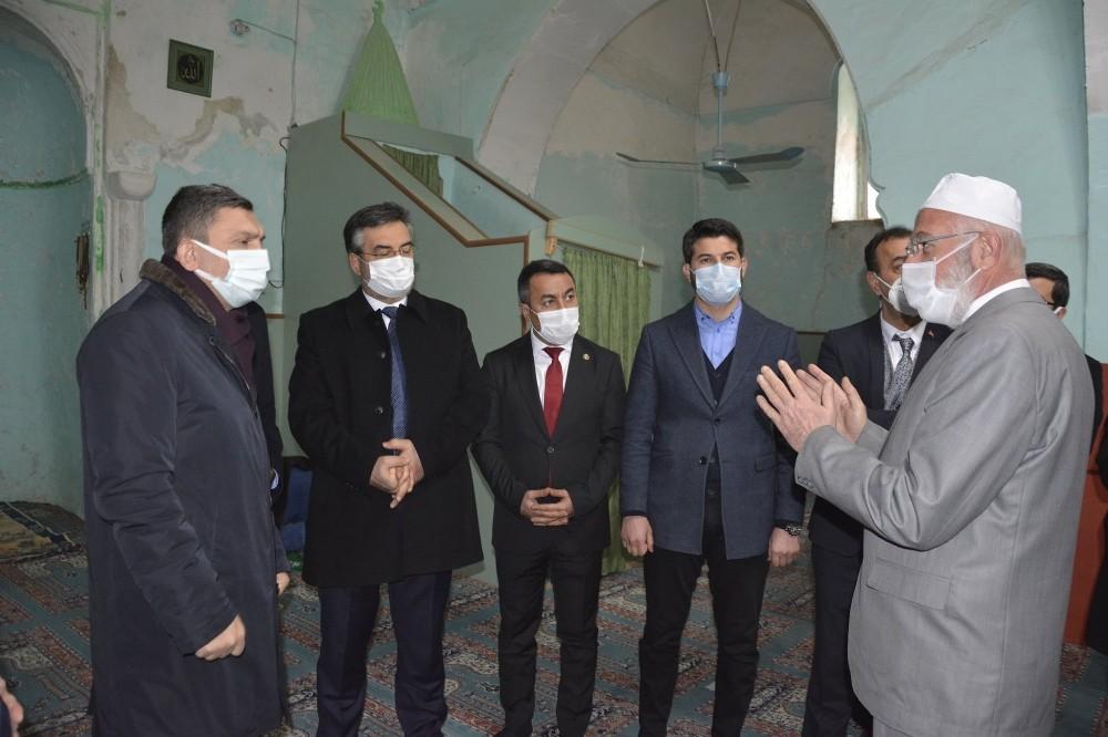 Batman Valisi Şahin Kozluk'ta incelemelerde bulundu