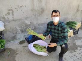 Vitamin deposu ışgın işsiz gençlerin ekmek kapısı oldu
