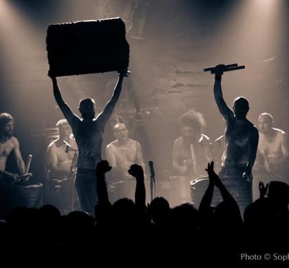 Les Tambours du Bronx : jeu de scène et composition quand on est 16
