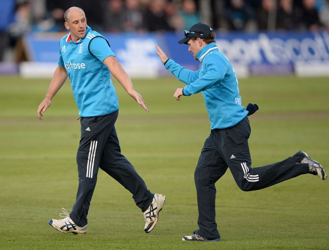 Tredwell ripped through Scotland's batting line-up with four wickets
