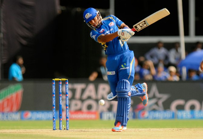 Simmons hammered six boundaries and two sixes during his magnificent innings of 62