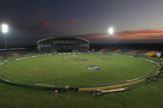 South Africa and Sri Lanka have agreed to turn on the floodlights if conditions become too gloomy