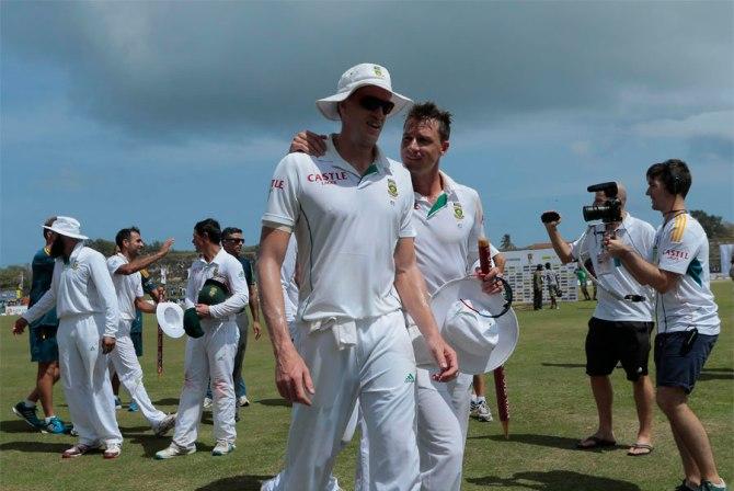 Steyn and Morkel sliced through Sri Lanka's batting line-up with four wickets apiece
