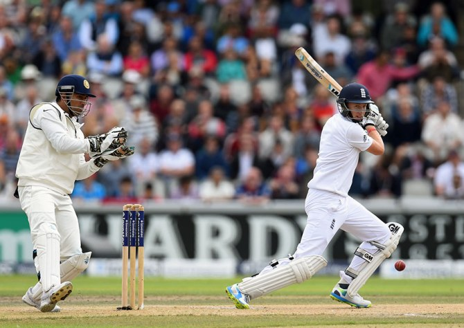 Root hit seven boundaries during his knock of 77