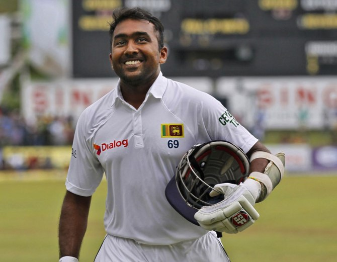 Jayawardene smiles after scoring 54 in his last Test innings