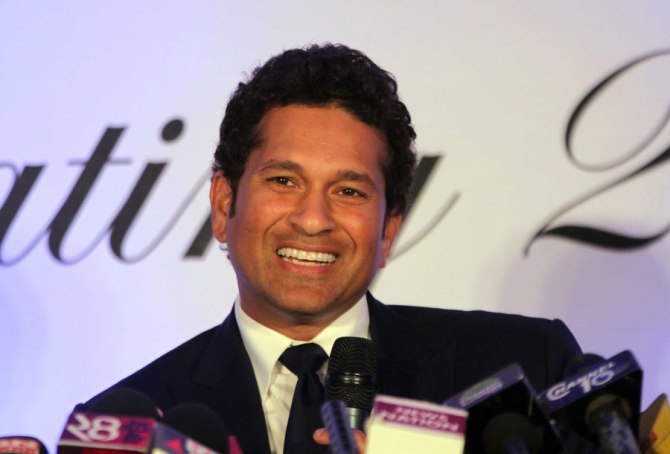 Tendulkar donated a large number of everyday necessities to help those affected by the floods