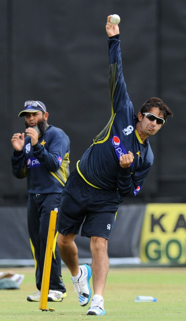 """The mean of Ajmal's deliveries was 37 degrees"""