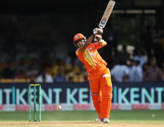 Akmal walloped five boundaries and five sixes during his unbeaten knock of 73