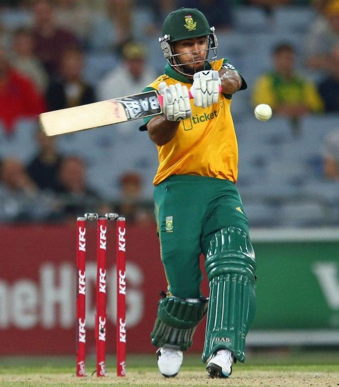 Reeza's gutsy innings of 49 went in vain