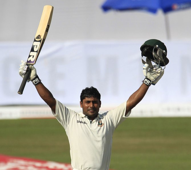 Kayes hit 12 boundaries and two sixes during his career-best knock of 130