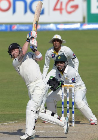 McCullum hit a six to bring up his double century
