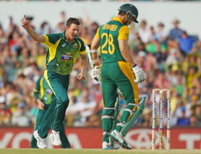 Hazlewood dismissed de kock, du Plessis, Behardien, de Villiers and Philander